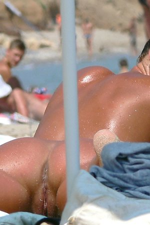 Nudist beach shows best nudist pussy and cunts