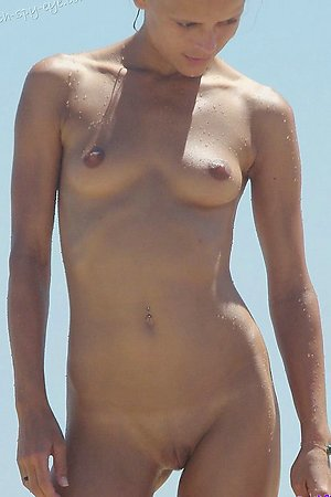Nude beach hot pussy close up video