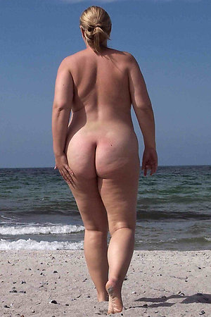 Naked moms and grannies at nudist beach