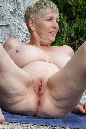 Mature nudist dames with huge breasts