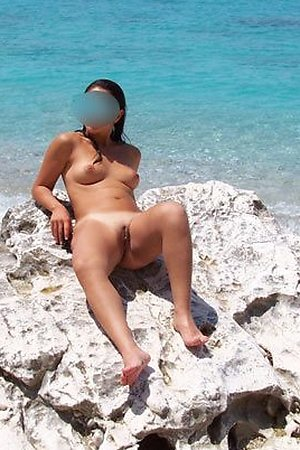 blured faces, open pussy on nude beach
