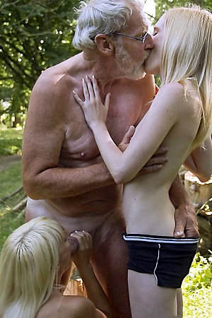 Groups of nudists with age difference