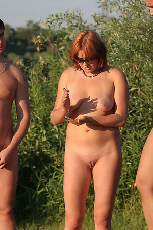 Groups of nudists with age differences