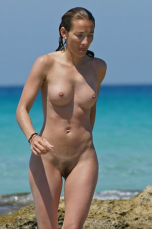 More fresh pictures with nude woman, nude beach woman, tanned body at nudist beach